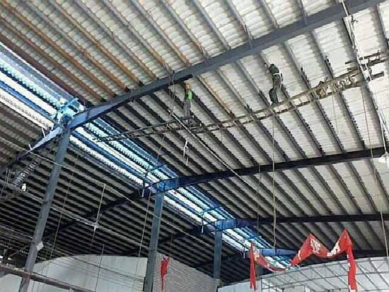 屋顶钢结构翻新