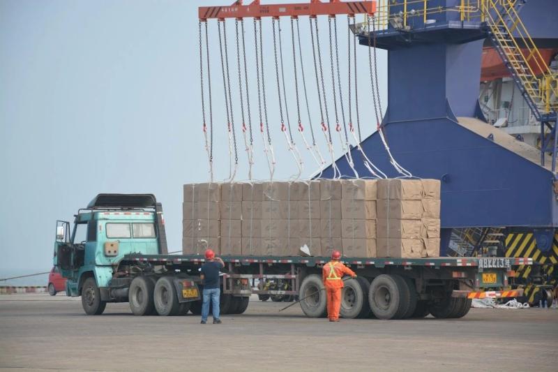 保稅區碼頭整船外貿進口件雜貨物已成常態化運行