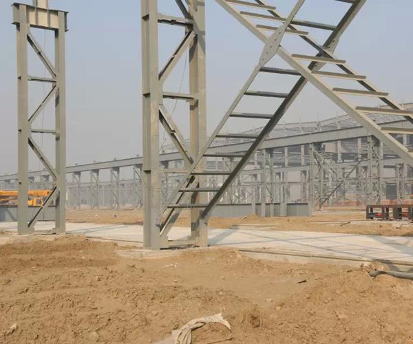 南通韩通船厂钢板堆场