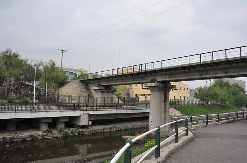工大連接橋