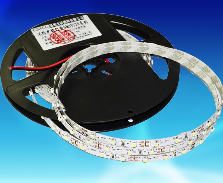 FBW003A,每米60燈3528貼片8*5000mm裸板不防水燈帶DV12V
