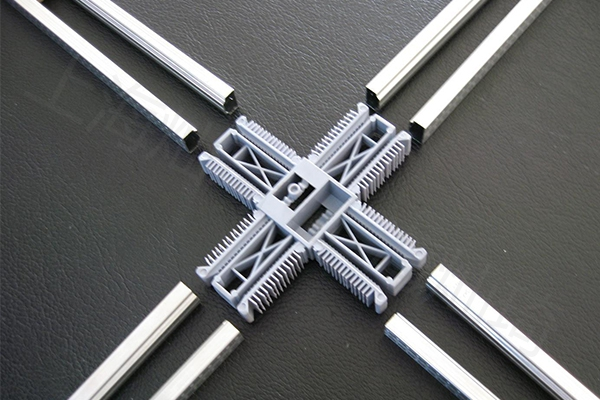 铝条十字连接件