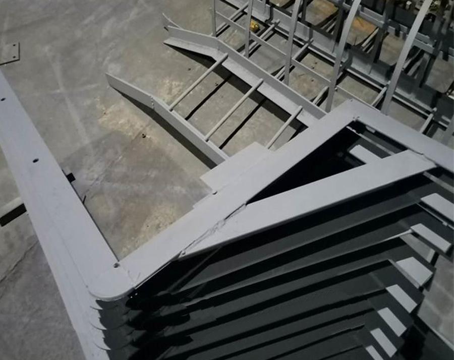 爬梯及平台支架