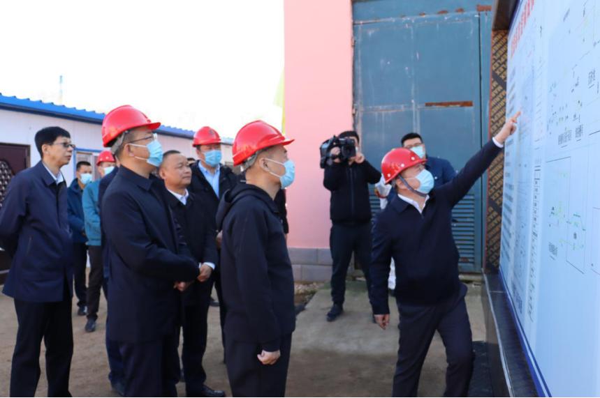双鸭山市委副书记、市长郑大光到友谊污水处理厂检查引导工作