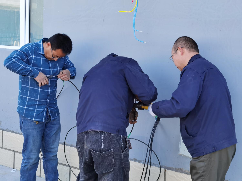 同心協力保障西易風能項目部如期采暖