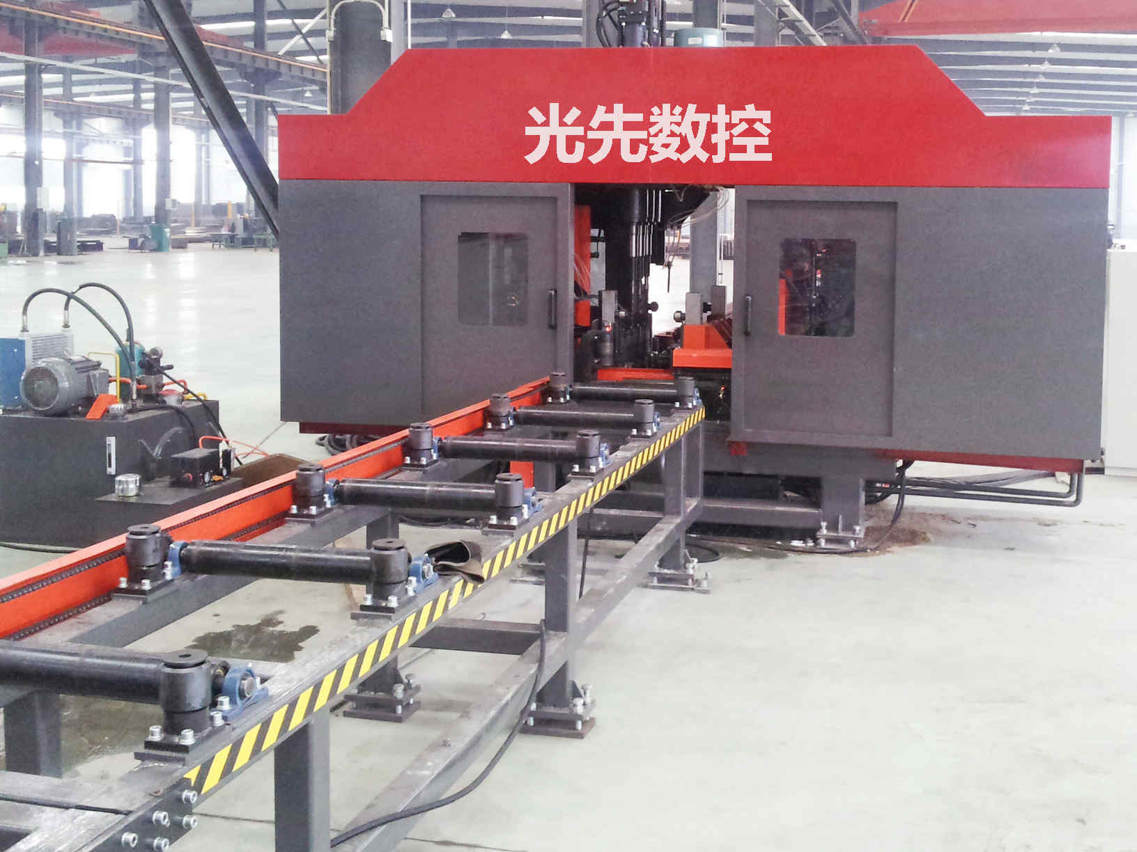 立体车库H型钢三维钻选择济南光先SWZ500型H型钢数控三维钻床