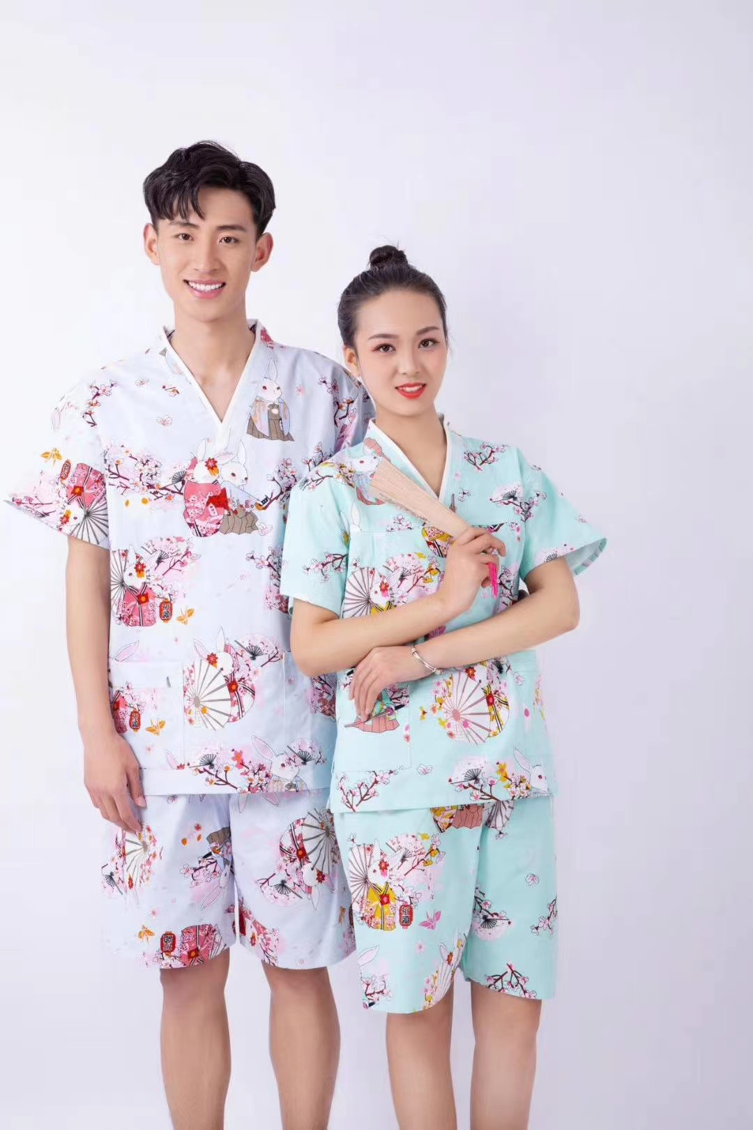 君芝友酒店用品割絨浴袍 酒店用彩色卡通睡衣 五星級酒店全棉浴服產品展示