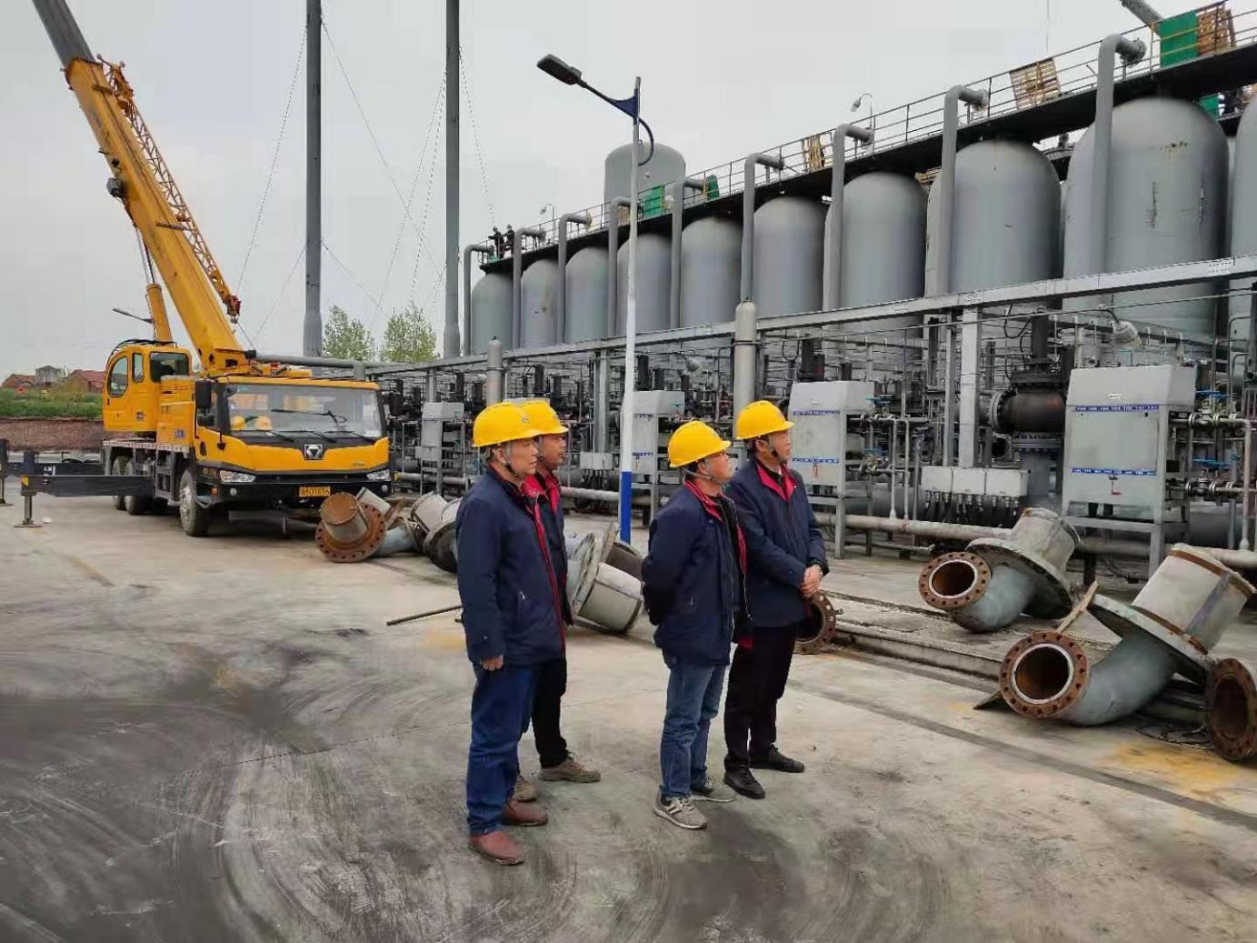 氨醇事業部圓滿完成PSA提氫絲網安裝及吸附劑裝填