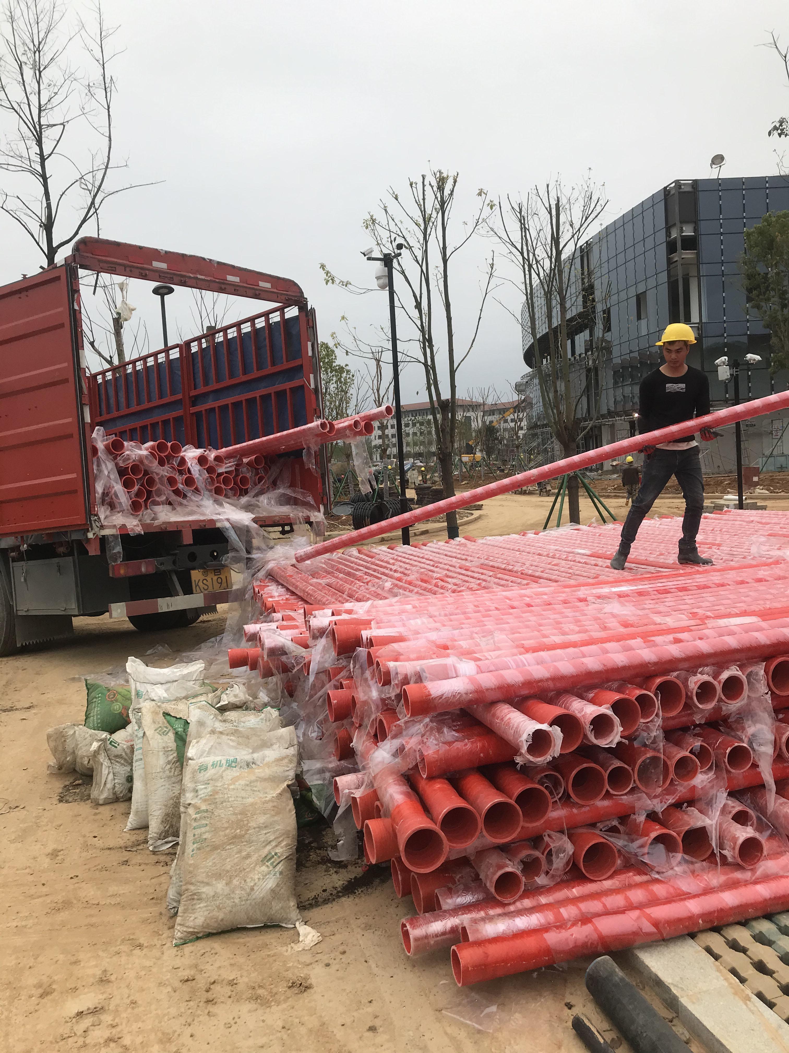 """福建融通管業有限公司生產的""""榕通""""牌CBD玻璃鋼電力電纜保護管用于省二建黨校項目"""