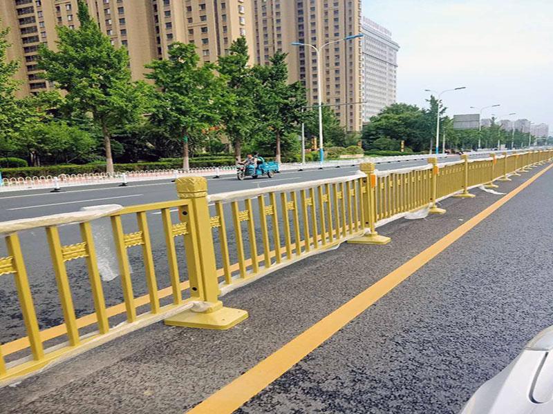 北京金色蓮花道路護欄