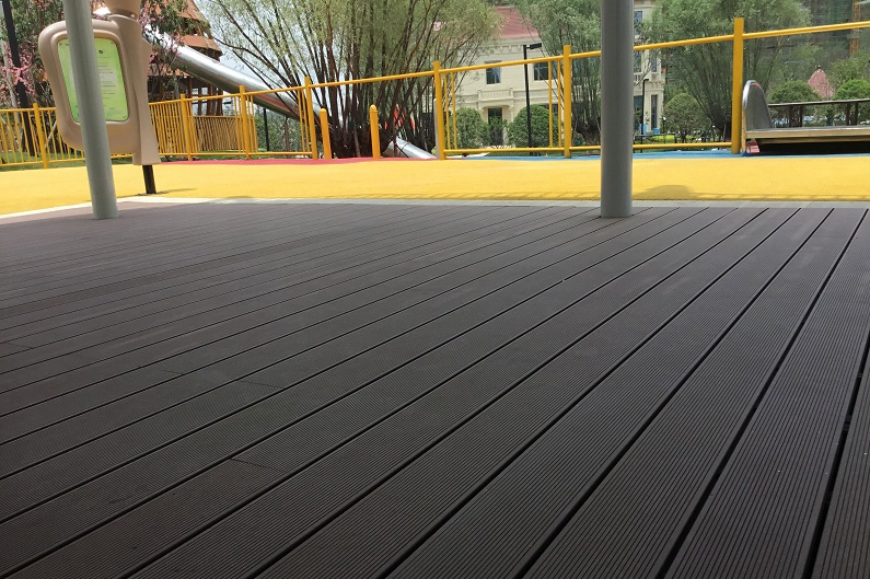 Playground Wood Plastic Decking/ Flooring