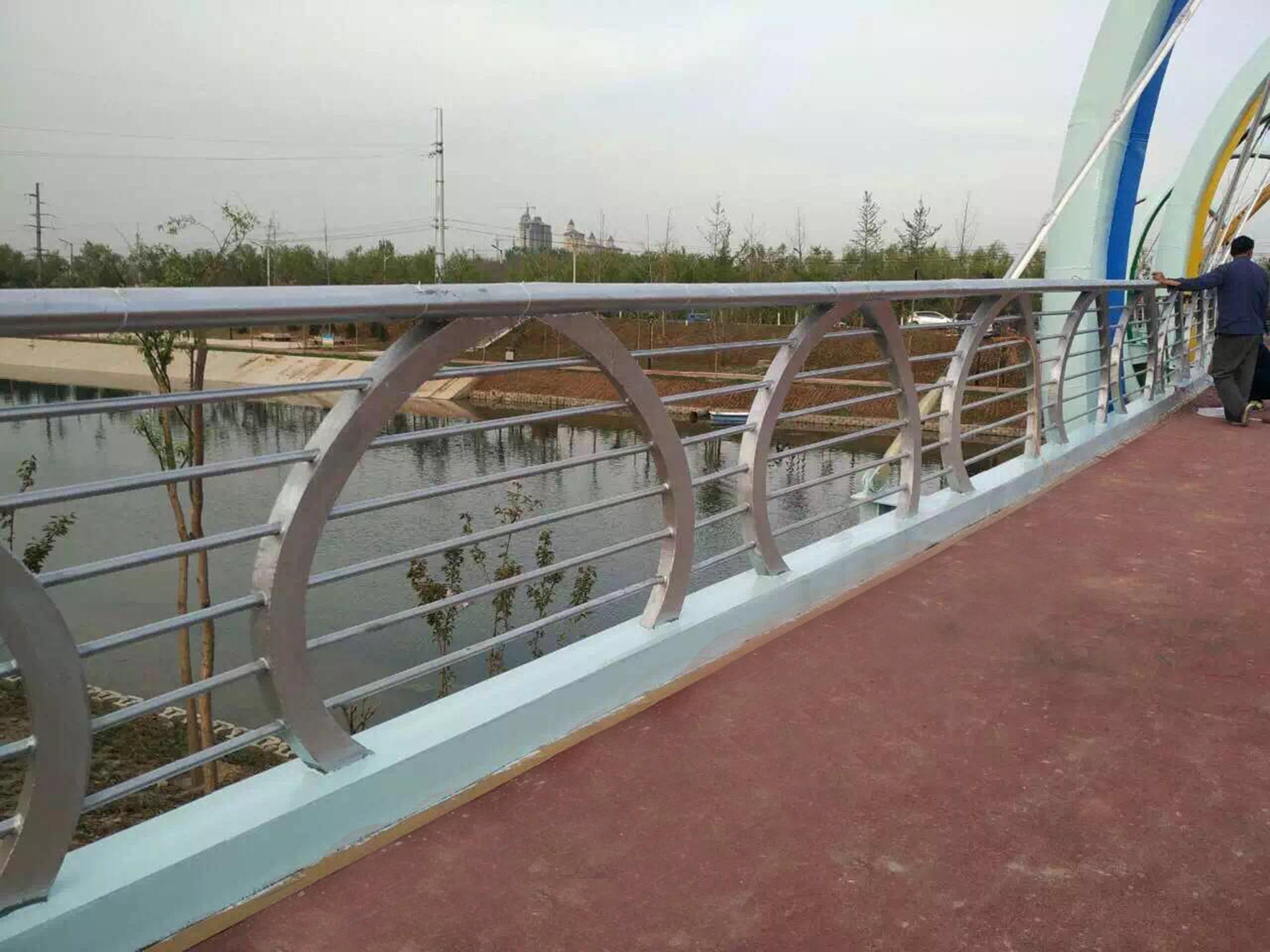 橋梁護欄的制造工藝要求是什么