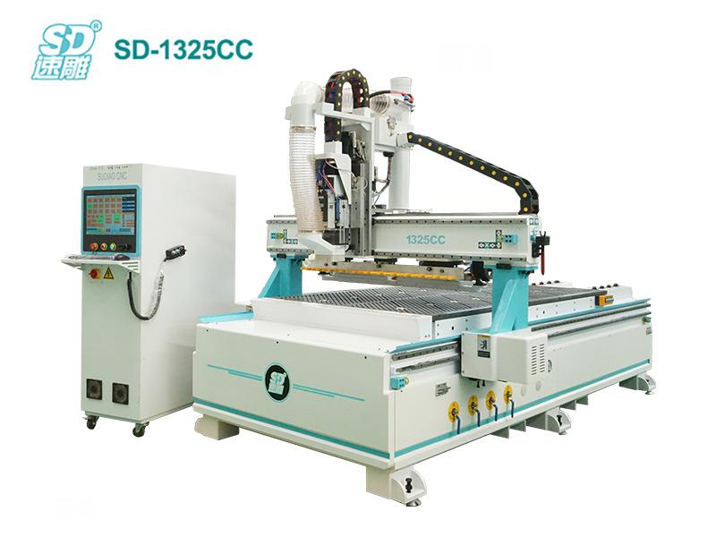 跟隨式直排換刀加工中心 SD-1325CC