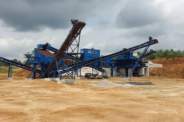 尼日利亞時產300噸花崗巖破碎篩分生產線