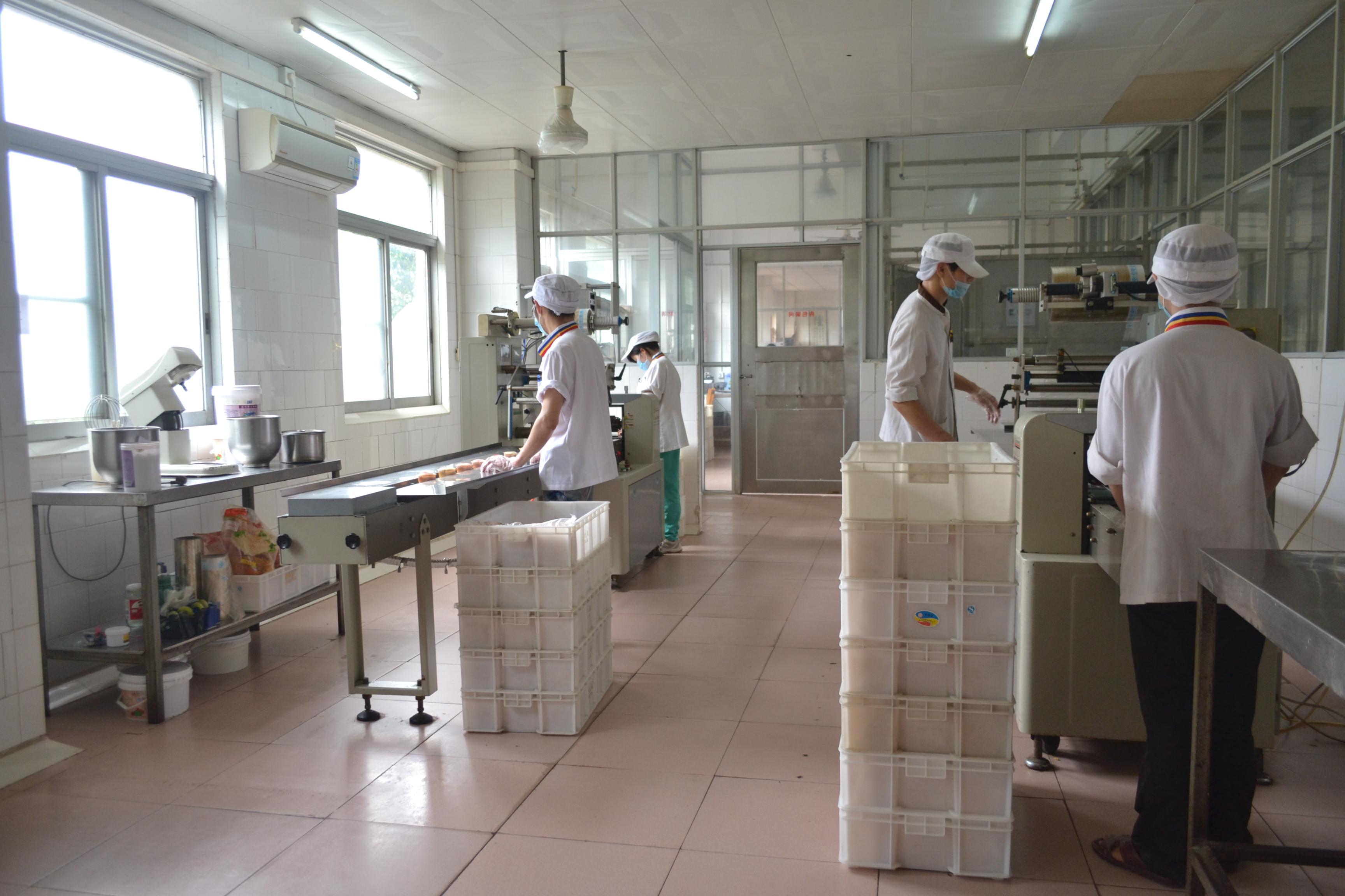 華隆面包蛋糕西點等烘焙產品批發代工配送