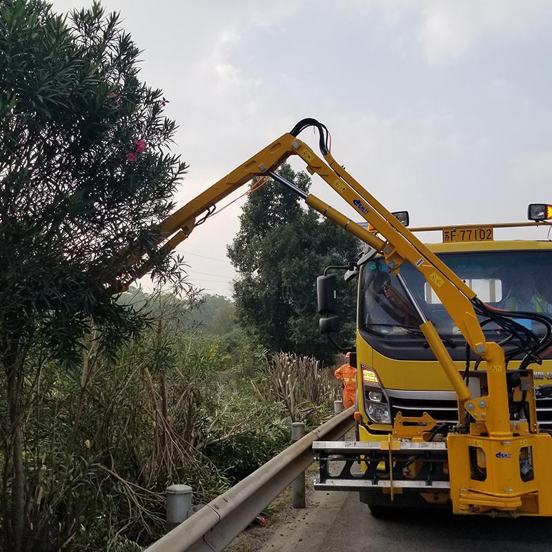 IM700A 绿化综合养护车