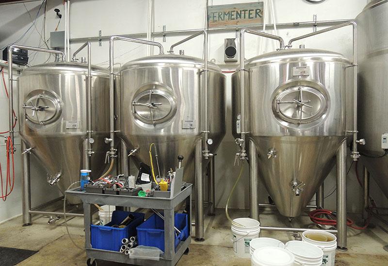 2013年 6月美國1800L 精釀啤酒工坊項目安裝完成