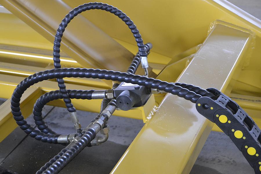 簡述液壓升降機的升降原理
