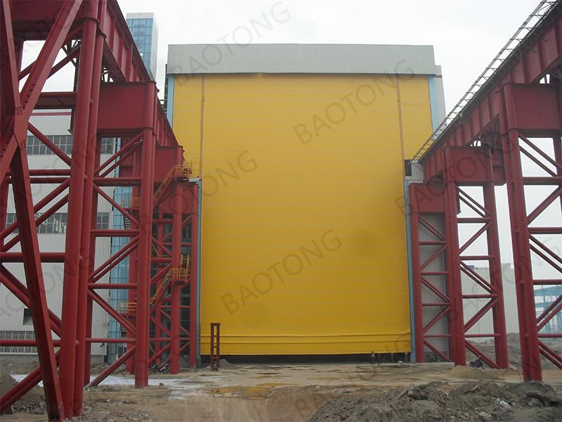 堆積式機庫門