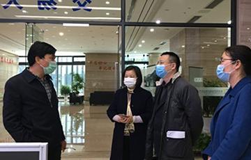 苏州市行政审批局副局长庄朝鸣一行调研吴中农交中心