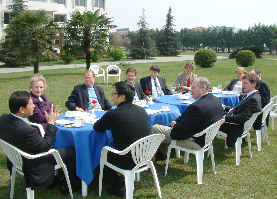 President Bin Chen at a reception for a British business delegation
