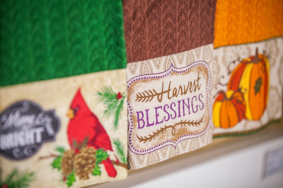 素色提花巾+貼布緞檔