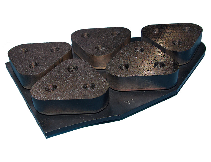 Powder metallurgy brake block manufacture