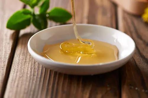 云南白藥加蜂蜜,對褥瘡效果非常好!快為家人收藏~
