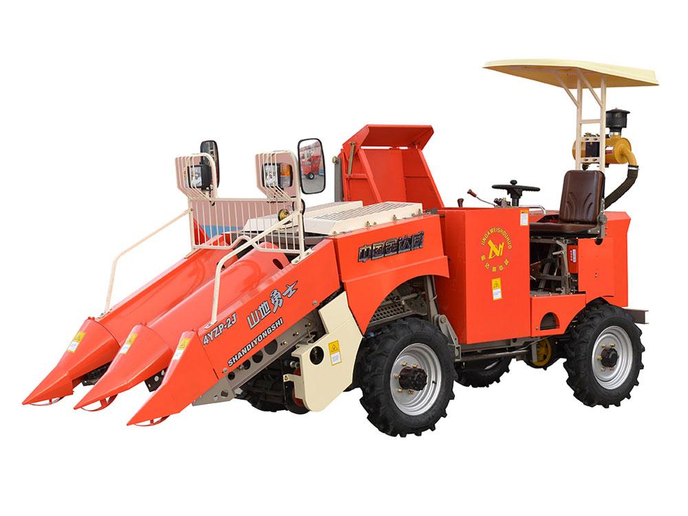 玉米收获机_山地玉米收割机操作注意事项