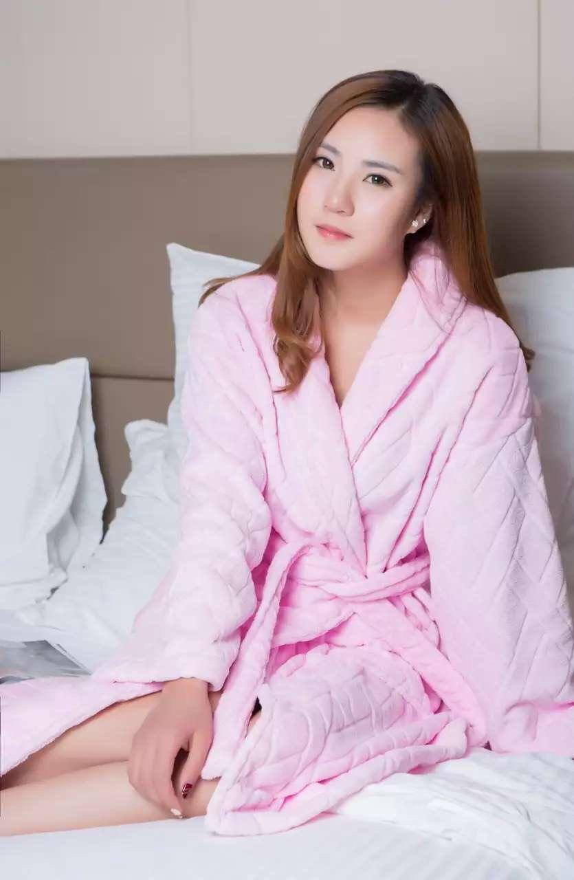 君芝友酒店用品割絨浴袍 外層割絨內層毛圈酒店用純色睡衣 五星級酒店全棉浴服