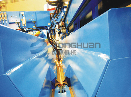 Automatic argon arc welding equipment