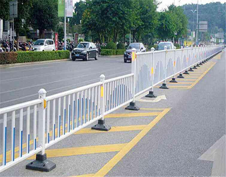 有關如何維護人行道護欄的一些事項