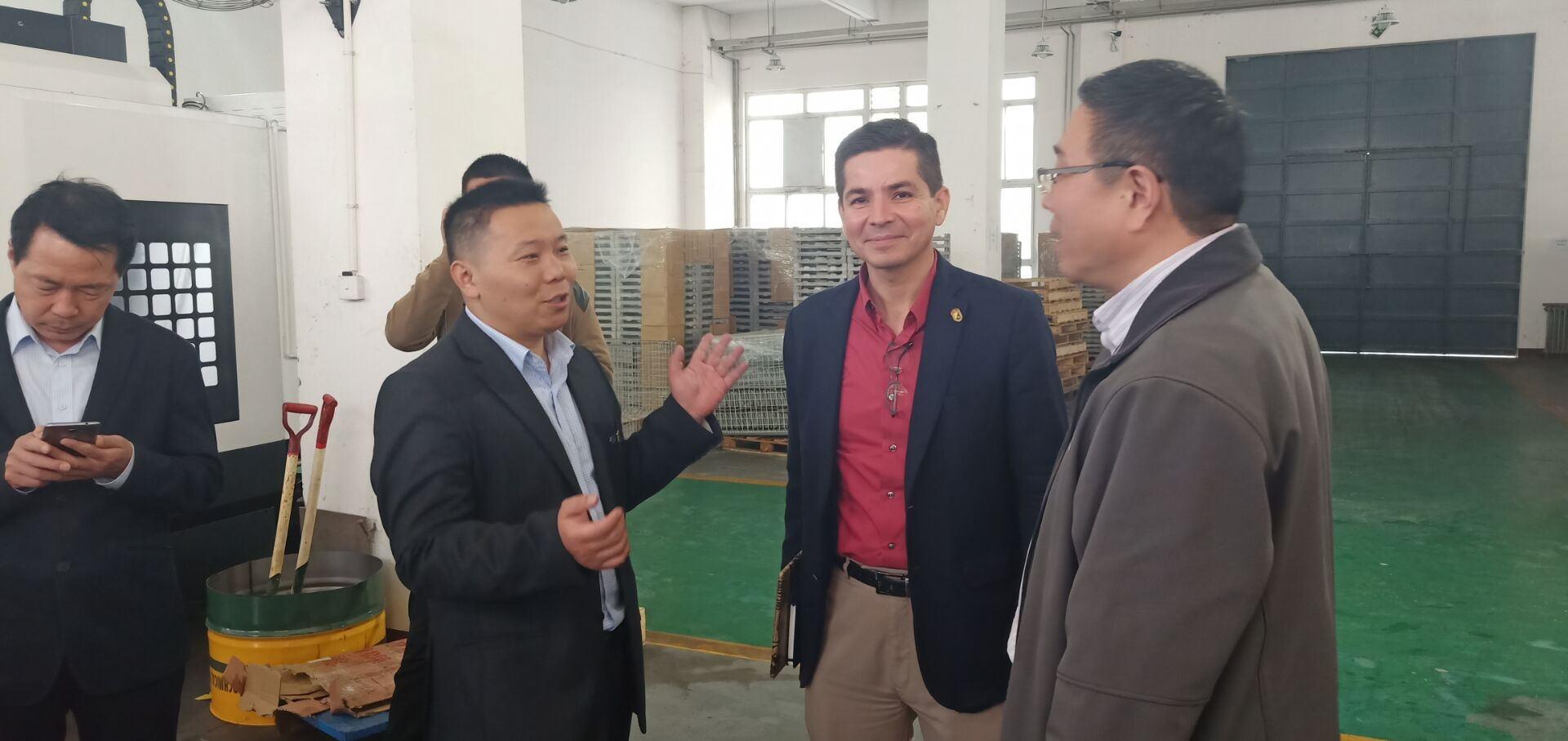 墨西哥工業發展部執行部長阿奴爾夫·馬丁內斯來我公司進行考察