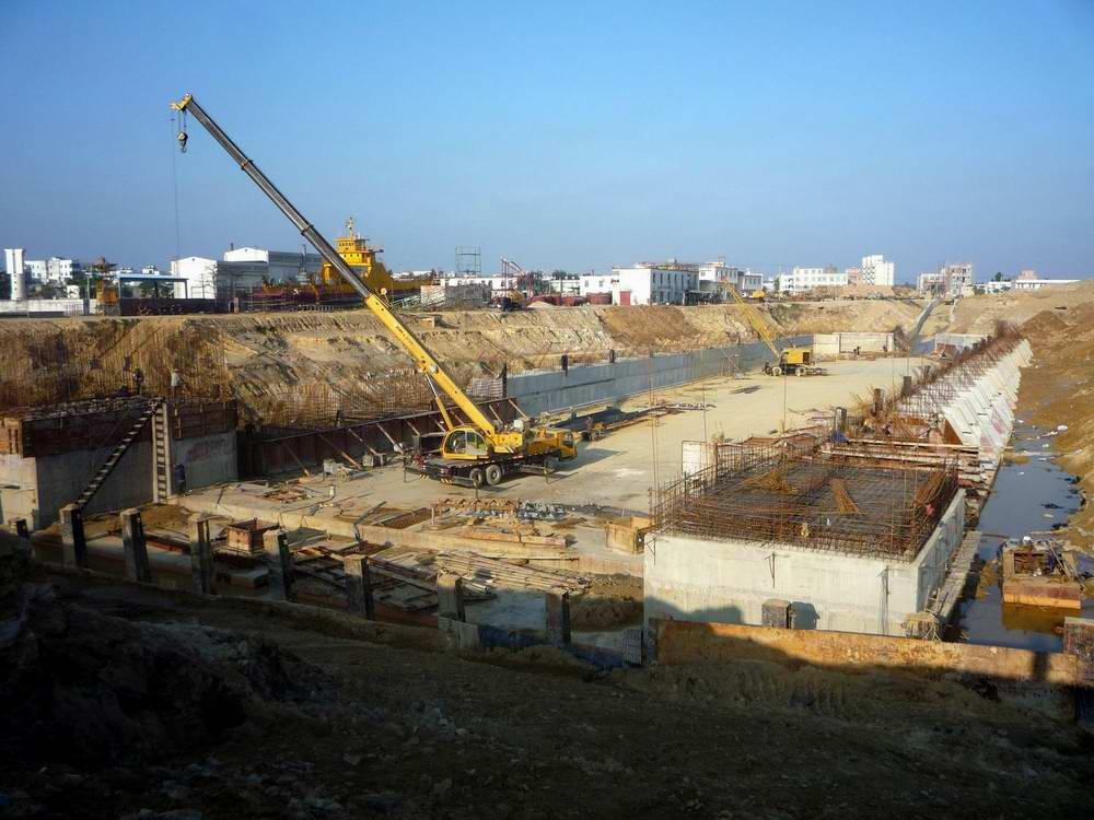 湛江麻斜船5万吨级船坞扩建改造水工工程