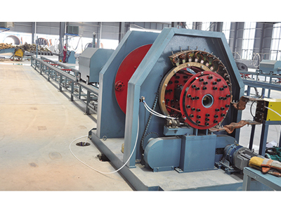 Automatic rolling welder for steel frame of pipe pile