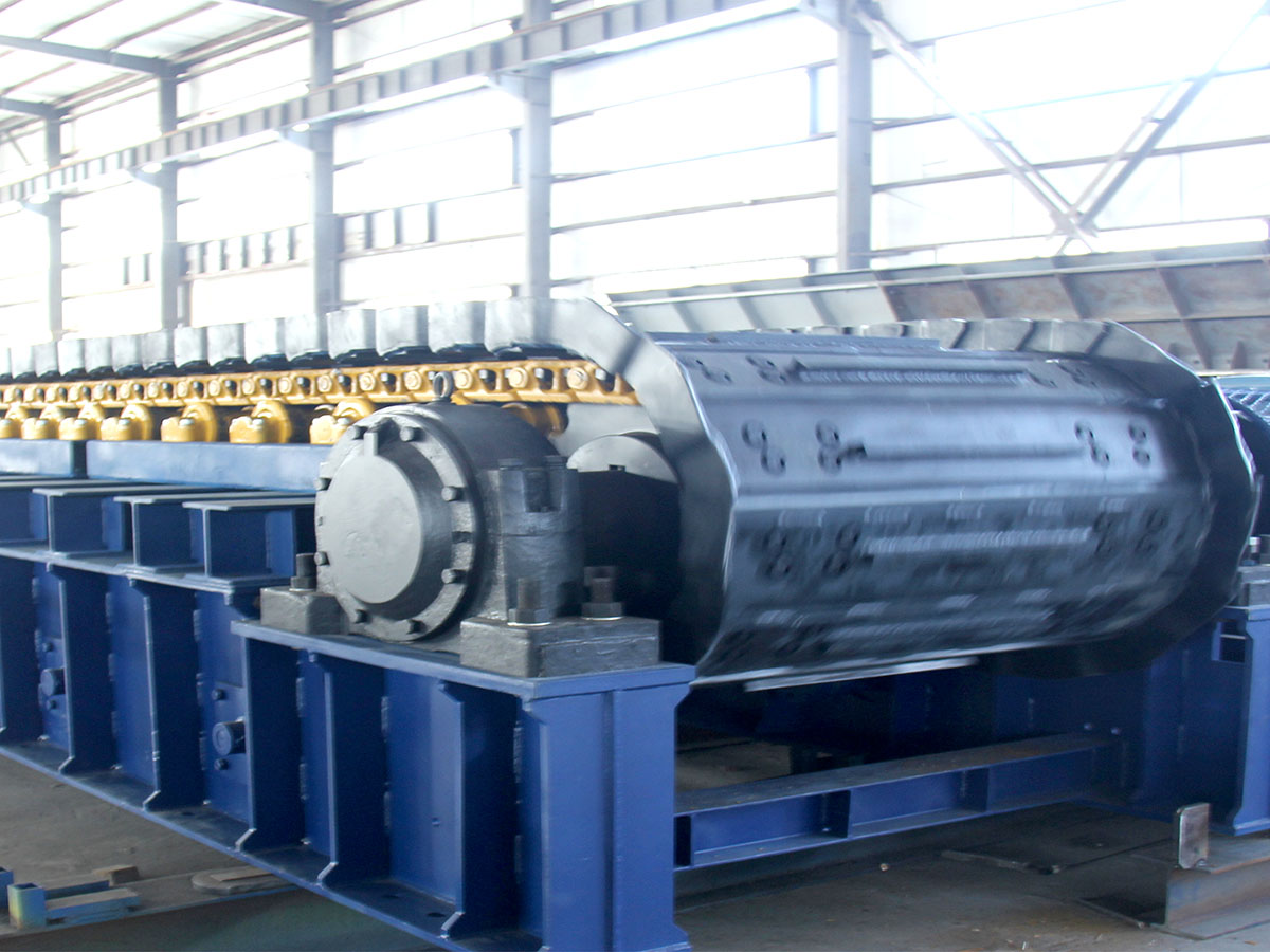 Heavy-duty slat feeder