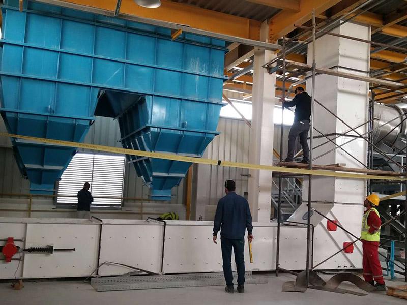 埃及第二次裝11個集裝箱