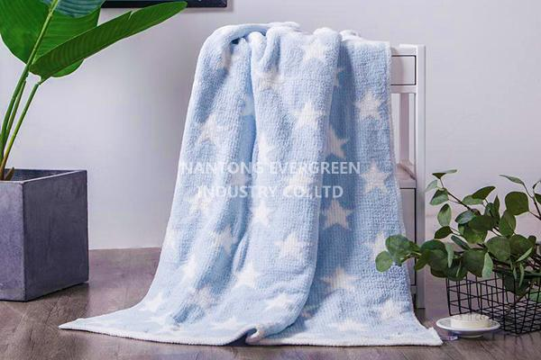 chenille blanket-blue star