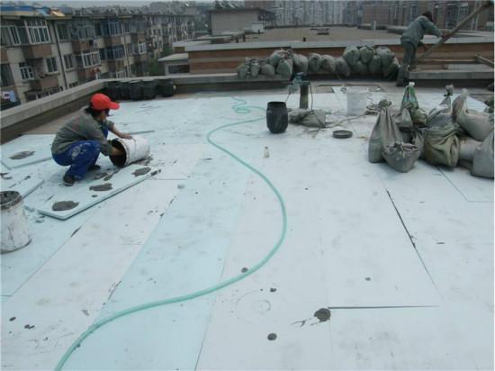 屋顶保温现场施工