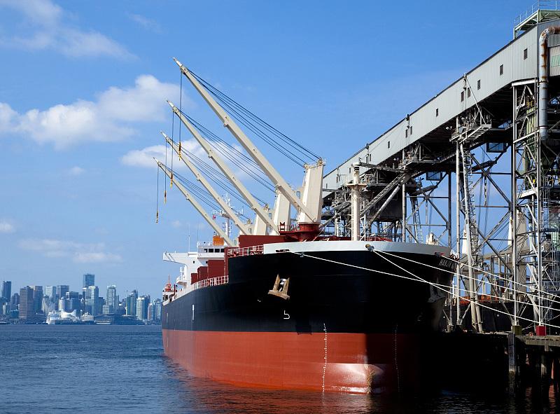 力求成為國內外船東忠實可靠的伙伴