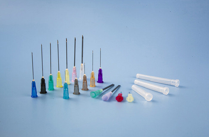 Sterile injection needle for single use