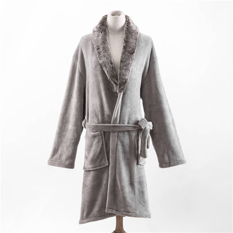 ORT3CS03: Solid Flannel RobeS With Faux Fur Collar