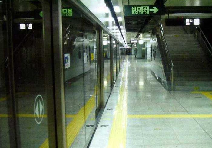 少年宫地铁