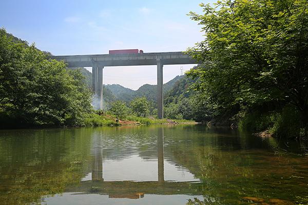 上三高速龍坑大橋
