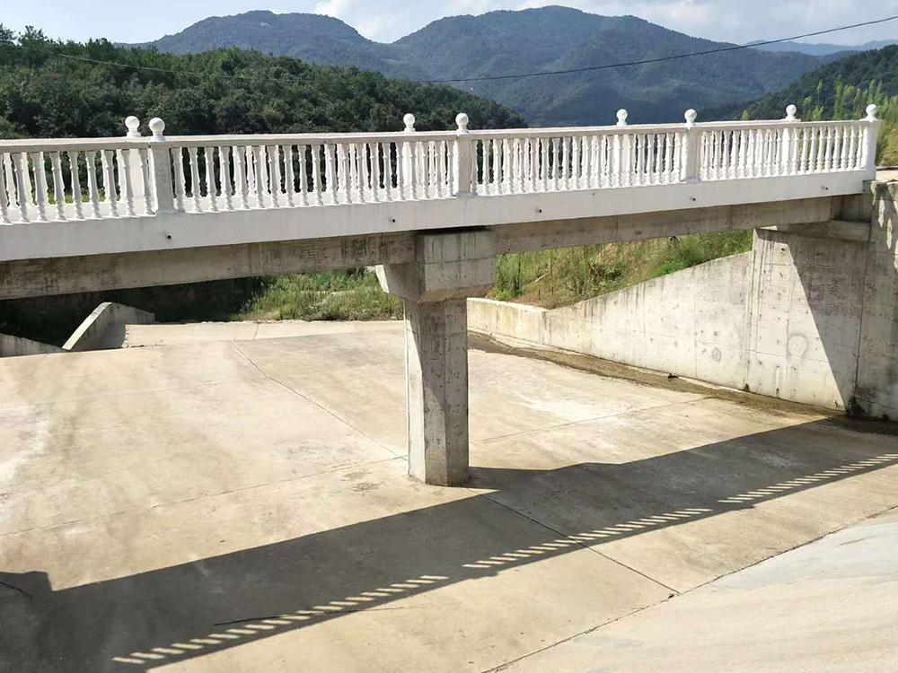 溢洪道工作橋