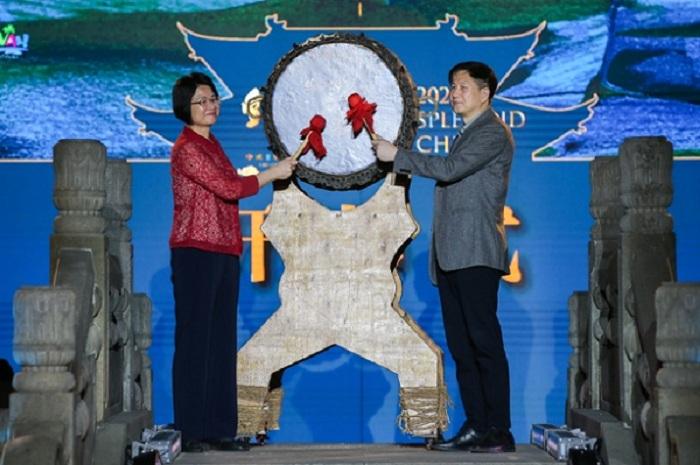 锦绣中华——2021中国非遗服饰秀亮相海南崖州