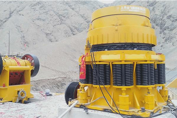 青海格爾木350噸每小時花崗巖破碎篩分生產線