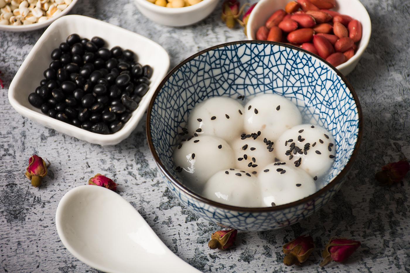 4個湯圓就等于一碗米飯?元宵和湯圓啥區別?