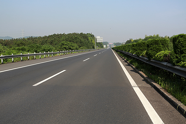 金丽温高速金华段路面