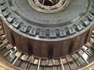 巨型子午線工程機械胎活絡模
